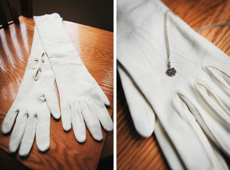 Winter bridal gloves and necklace